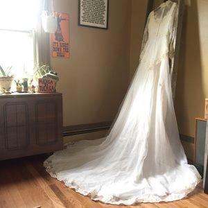 VTG 70s Appliqué Lace & Chiffon Wedding Gown